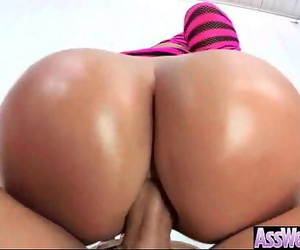 Girl With Oiled Wet Booty..