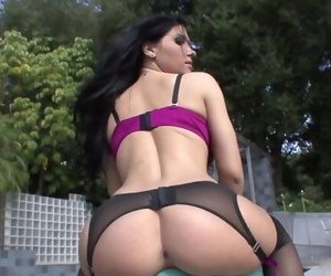 Rebeca Linares - Bubble..