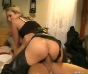 Fat Titty BLONDE Porn..