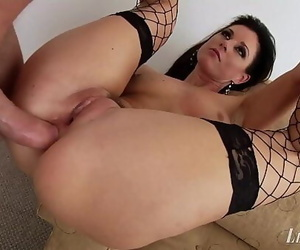 Lewood Gaping MILF India..