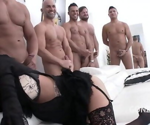Fat butt D/s Veronica Avluv..