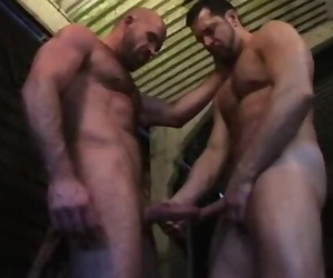 Rough Gay Hook-up